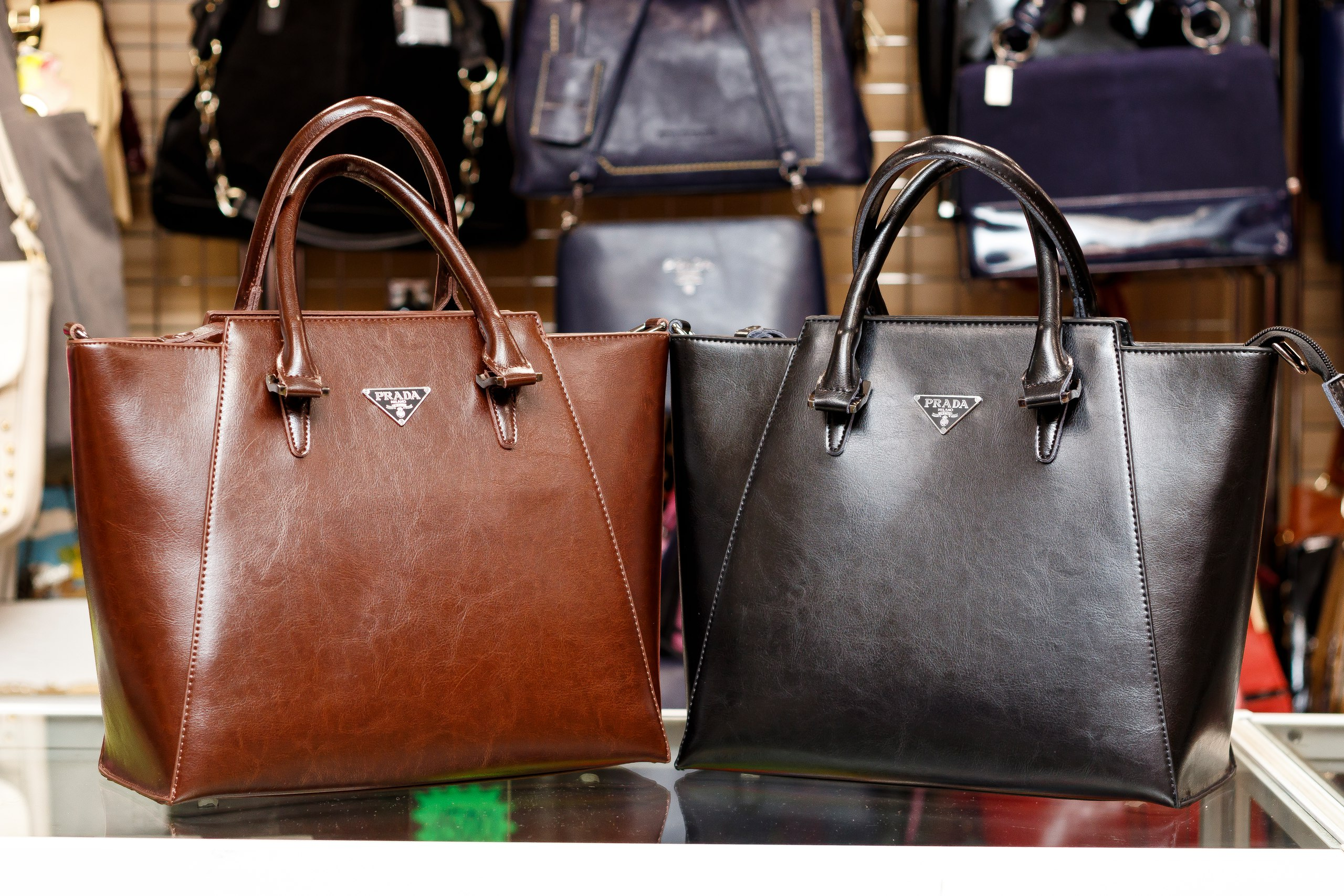 Подарки сумки чемоданы кожгалантерея саквояж пермь чемоданы