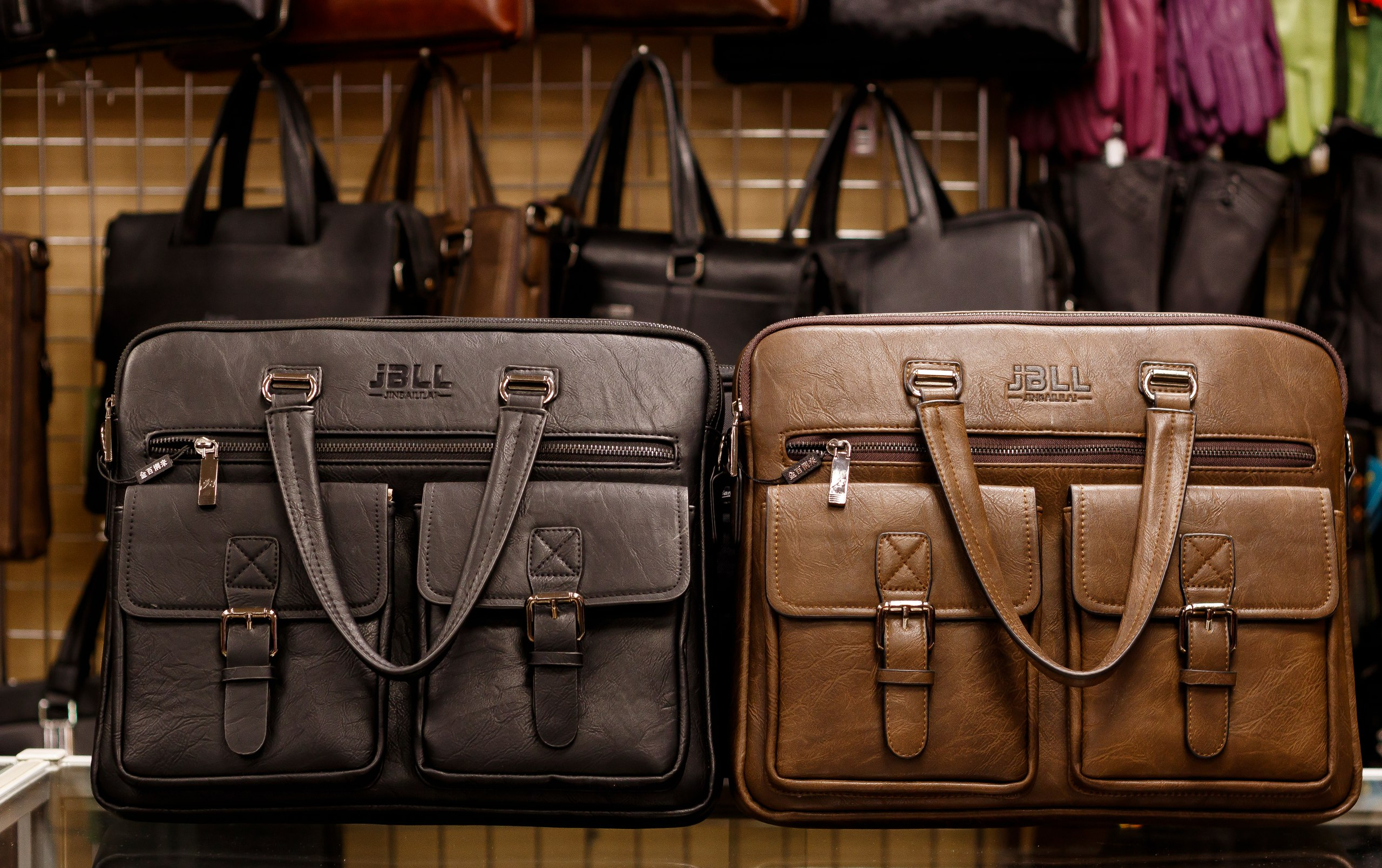 Подарки сумки чемоданы кожгалантерея повседневные рюкзаки киев