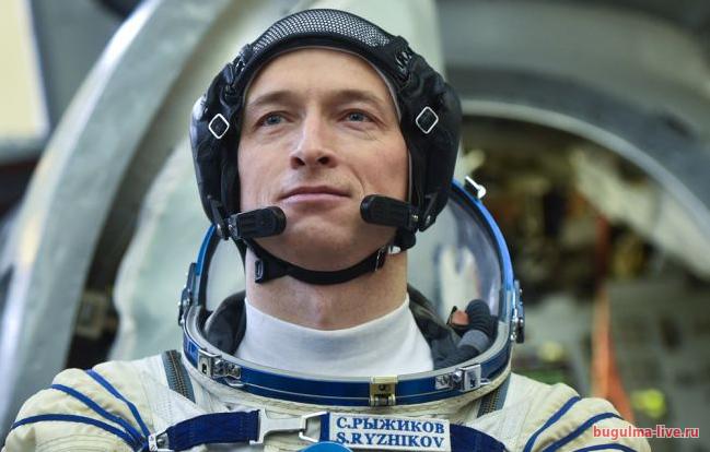 соединение двух как далеко могут отправится космонавты такой
